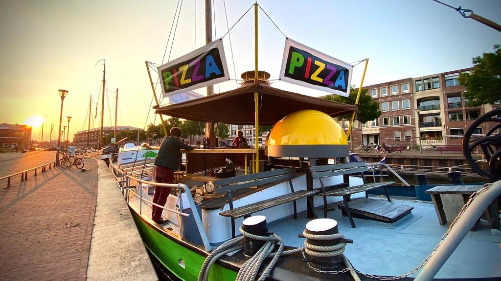 Pizza Bombari
